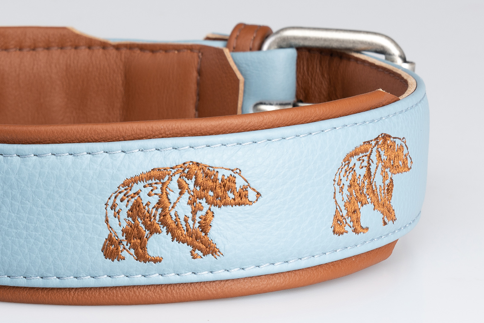 orso-azzurro-cuoio-collare-dettaglio2
